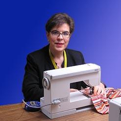 Kleermaakster Anneke Smeets voor dameskleding, touwjurk, patronen, kleuranalyse en stijladvies